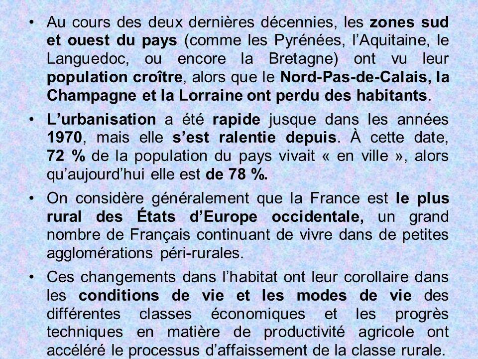 Au cours des deux dernières décennies, les zones sud et ouest du pays (comme les Pyrénées, l'Aquitaine, le Languedoc, ou encore la Bretagne) ont vu leur population croître, alors que le Nord-Pas-de-Calais, la Champagne et la Lorraine ont perdu des habitants.