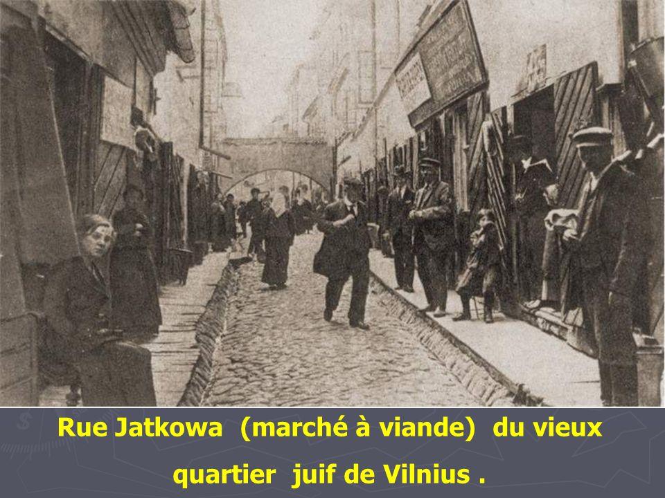 Rue Jatkowa (marché à viande) du vieux quartier juif de Vilnius .