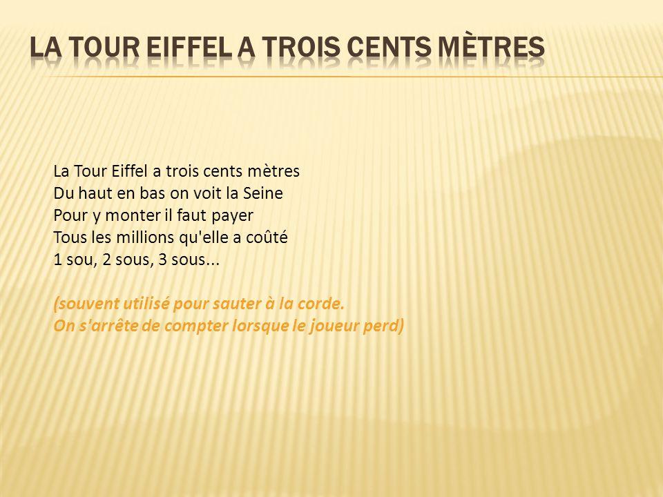 La Tour Eiffel a trois cents mètres