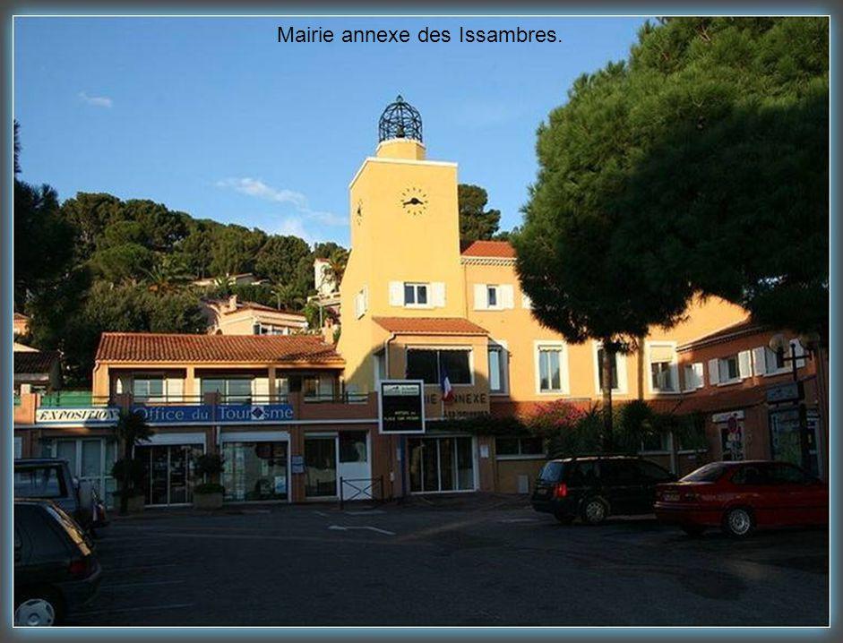 Mairie annexe des Issambres.