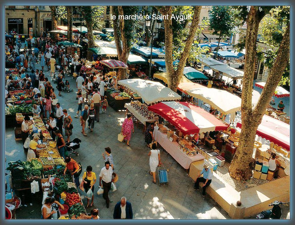 le marché a Saint Aygulf