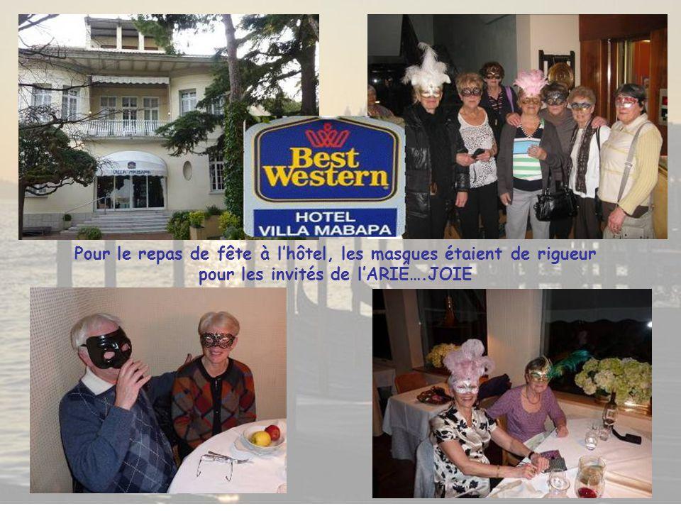 Pour le repas de fête à l'hôtel, les masques étaient de rigueur pour les invités de l'ARIÉ….JOIE