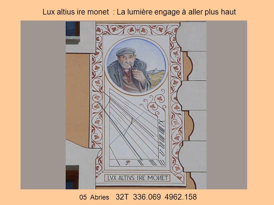 Lux altius ire monet : La lumière engage à aller plus haut