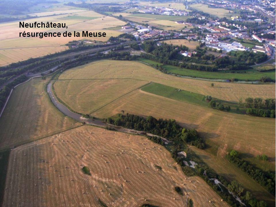 Neufchâteau, résurgence de la Meuse