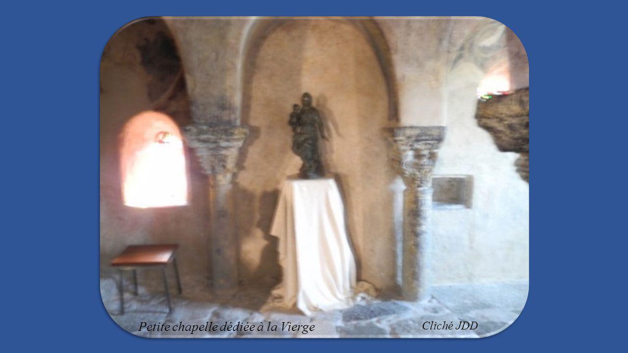 Petite chapelle dédiée à la Vierge