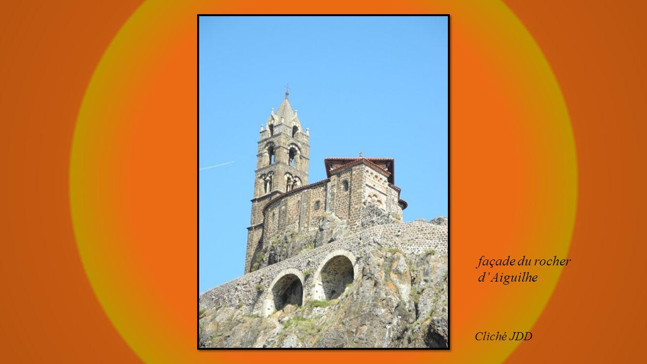 façade du rocher d' Aiguilhe Cliché JDD