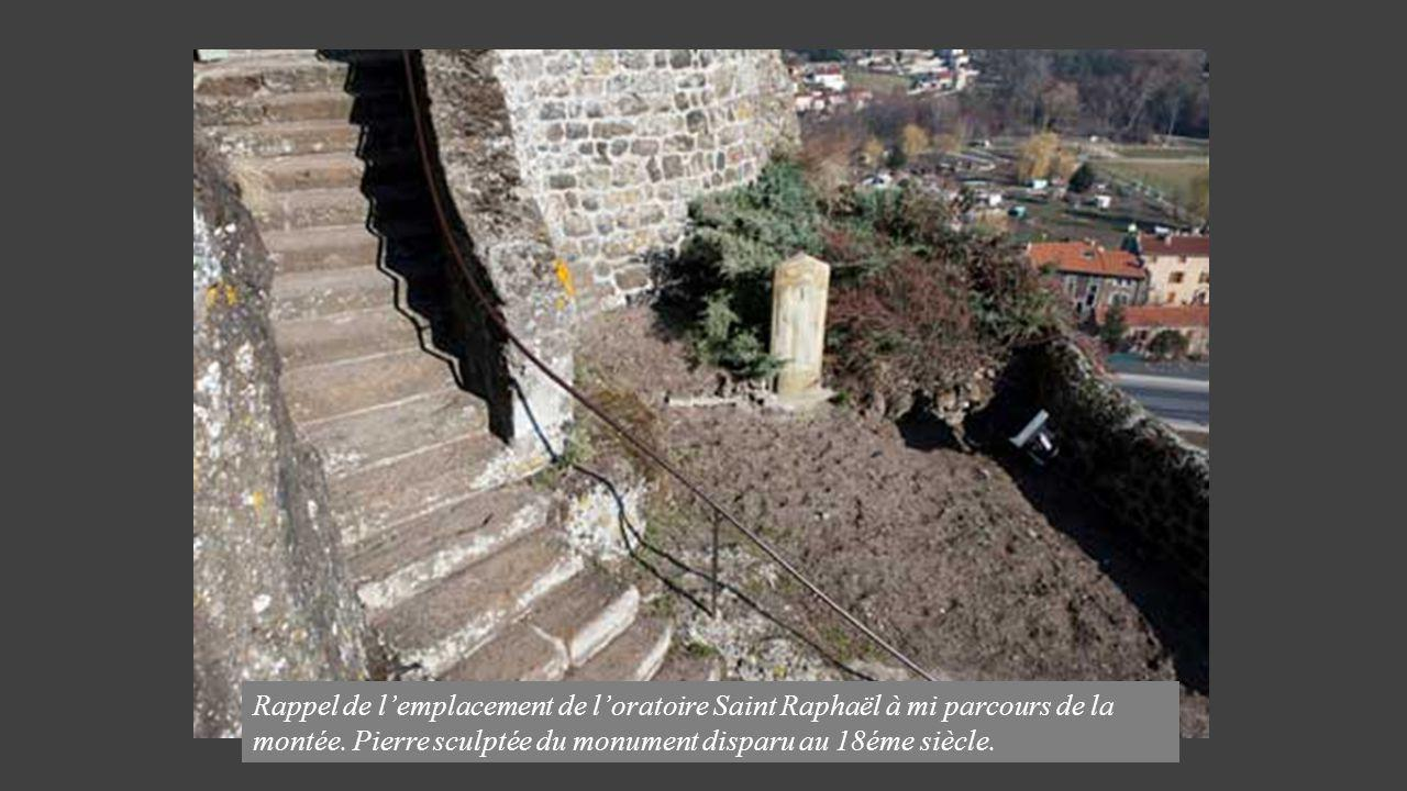 Rappel de l'emplacement de l'oratoire Saint Raphaël à mi parcours de la montée.