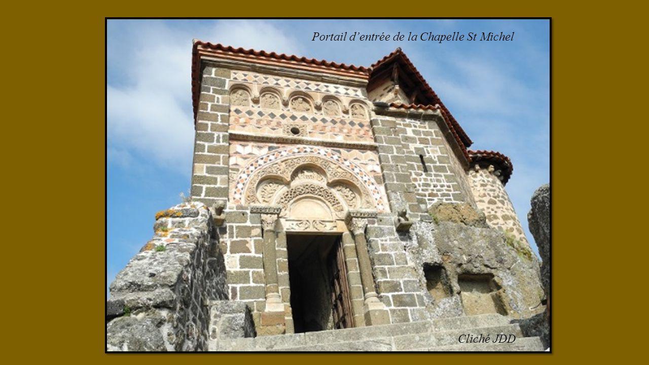 Portail d'entrée de la Chapelle St Michel