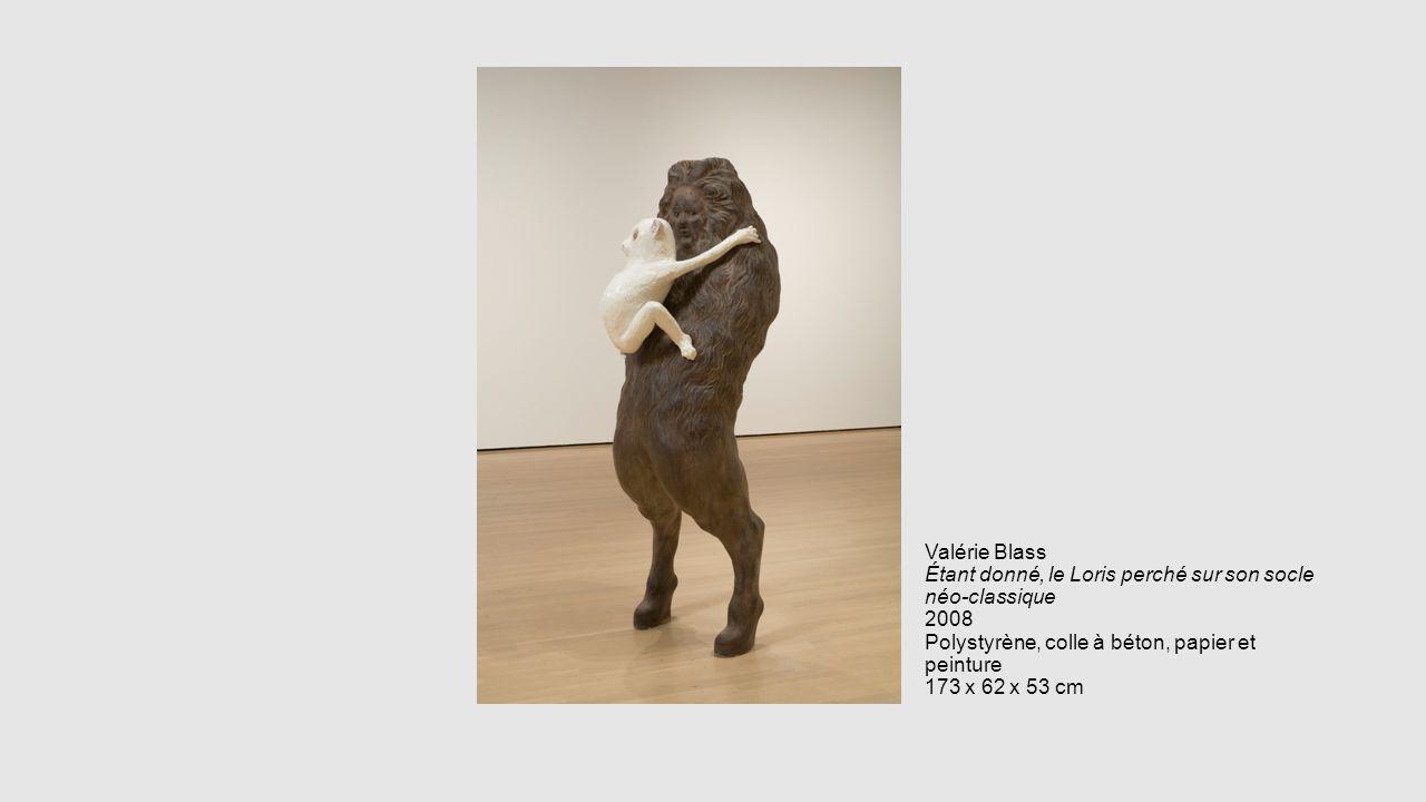 Valérie Blass Étant donné, le Loris perché sur son socle néo-classique 2008 Polystyrène, colle à béton, papier et peinture