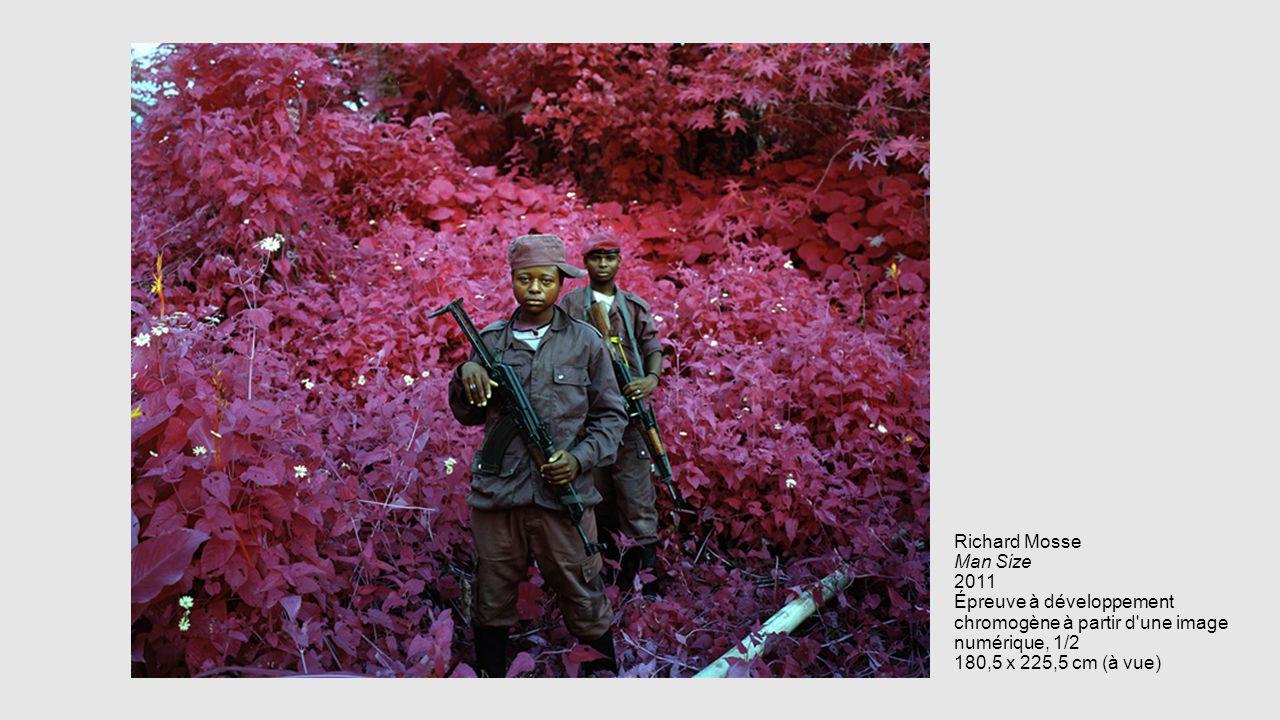 Richard Mosse Man Size 2011 Épreuve à développement chromogène à partir d une image numérique, 1/2 180,5 x 225,5 cm (à vue)