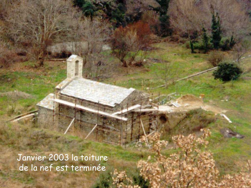 Janvier 2003 la toiture de la nef est terminée