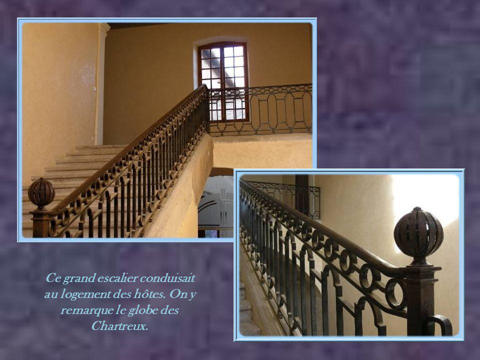 Ce grand escalier conduisait au logement des hôtes