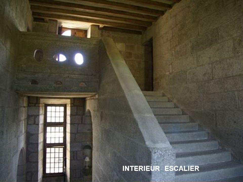 INTERIEUR ESCALIER
