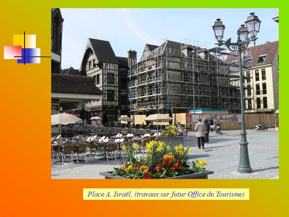 Place A. Israël, (travaux sur futur Office du Tourisme)