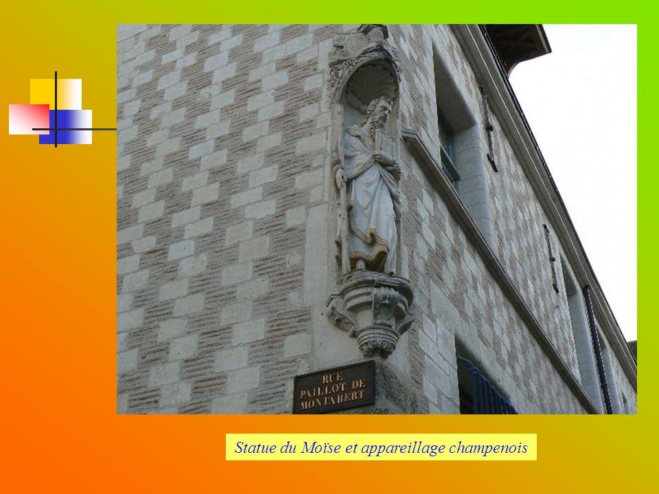 Statue du Moïse et appareillage champenois