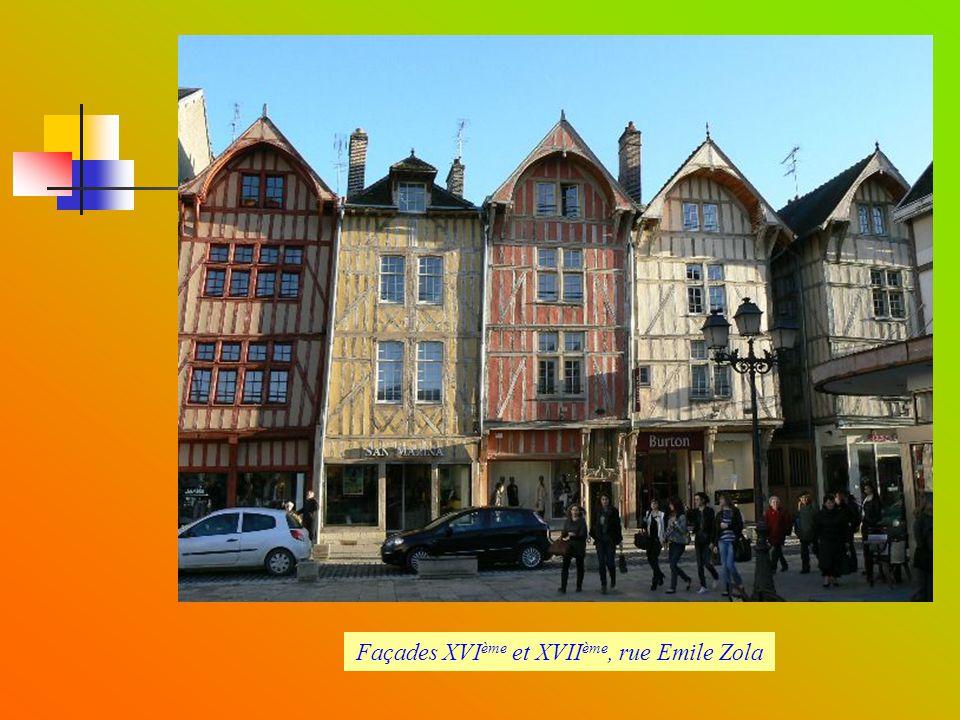 Façades XVIème et XVIIème, rue Emile Zola