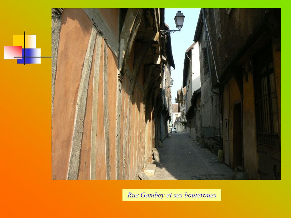Rue Gambey et ses bouteroues