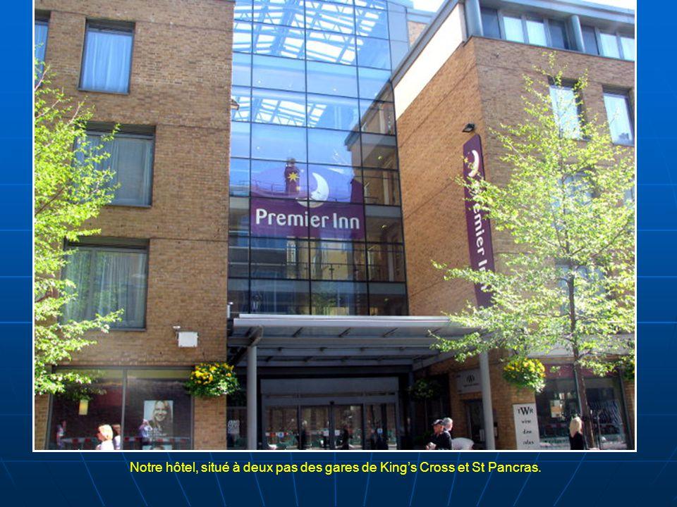 Notre hôtel, situé à deux pas des gares de King's Cross et St Pancras.
