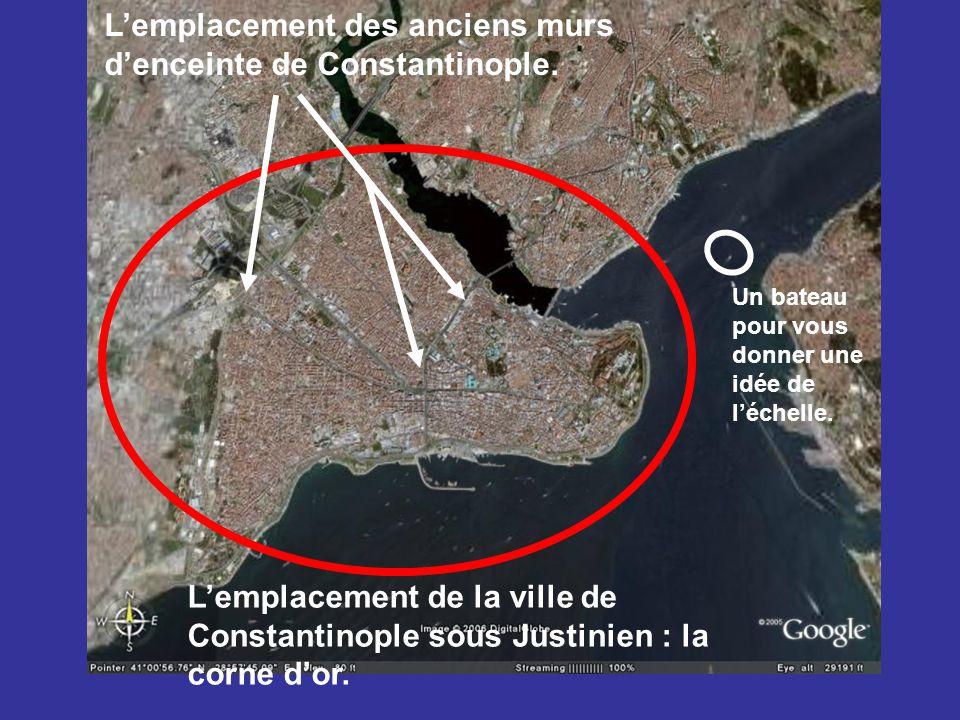L'emplacement des anciens murs d'enceinte de Constantinople.