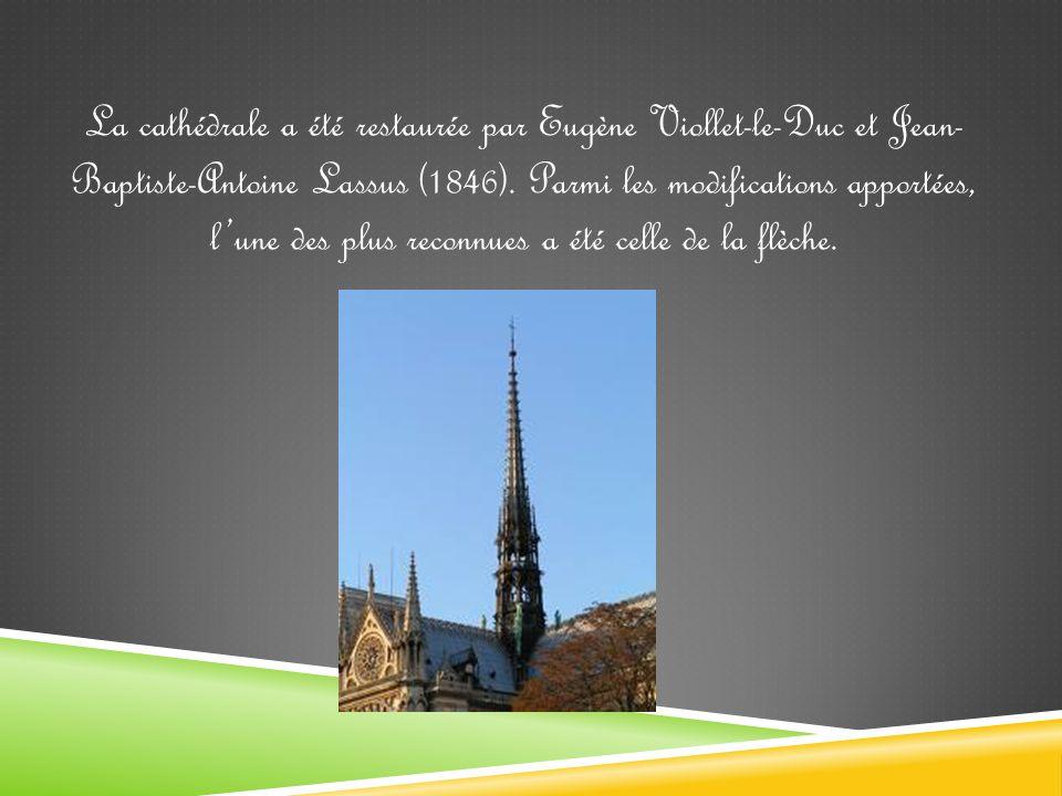 La cathédrale a été restaurée par Eugène Viollet-le-Duc et Jean- Baptiste-Antoine Lassus (1846).
