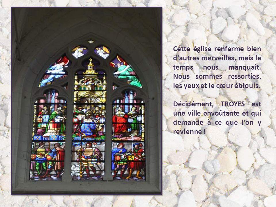 Cette église renferme bien d autres merveilles, mais le temps nous manquait. Nous sommes ressorties, les yeux et le cœur éblouis.