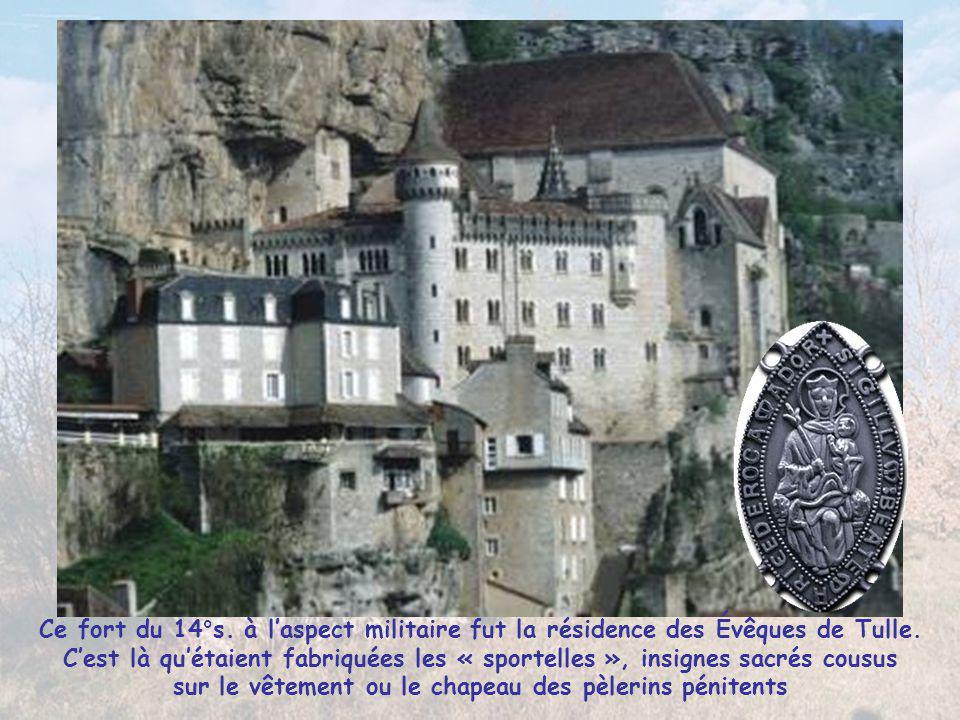Ce fort du 14°s. à l'aspect militaire fut la résidence des Évêques de Tulle.