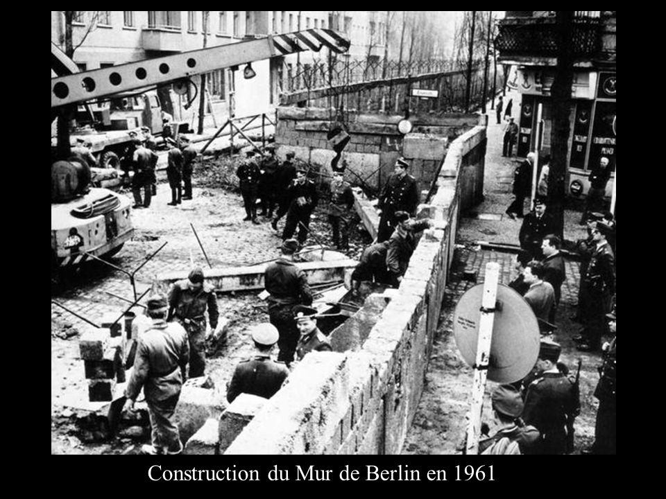Construction du Mur de Berlin en 1961