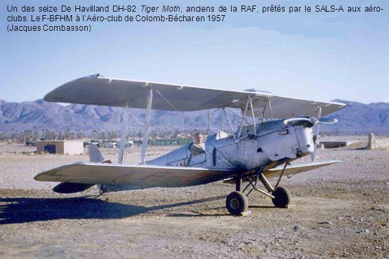 Un des seize De Havilland DH-82 Tiger Moth, anciens de la RAF, prêtés par le SALS-A aux aéro-clubs. Le F-BFHM à l'Aéro-club de Colomb-Béchar en 1957