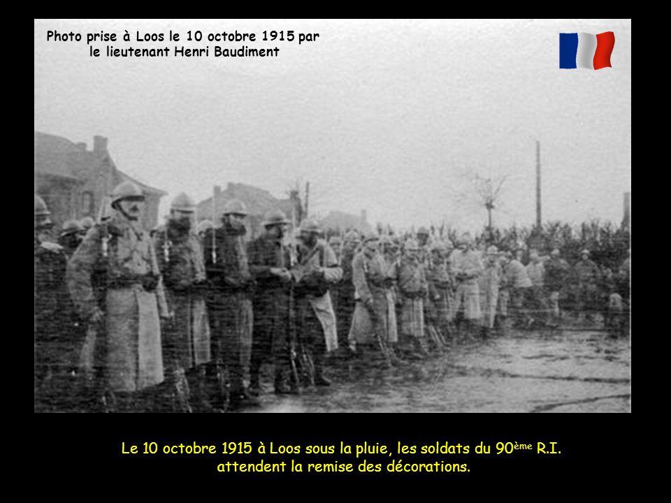 Le 10 octobre 1915 à Loos sous la pluie, les soldats du 90ème R.I.