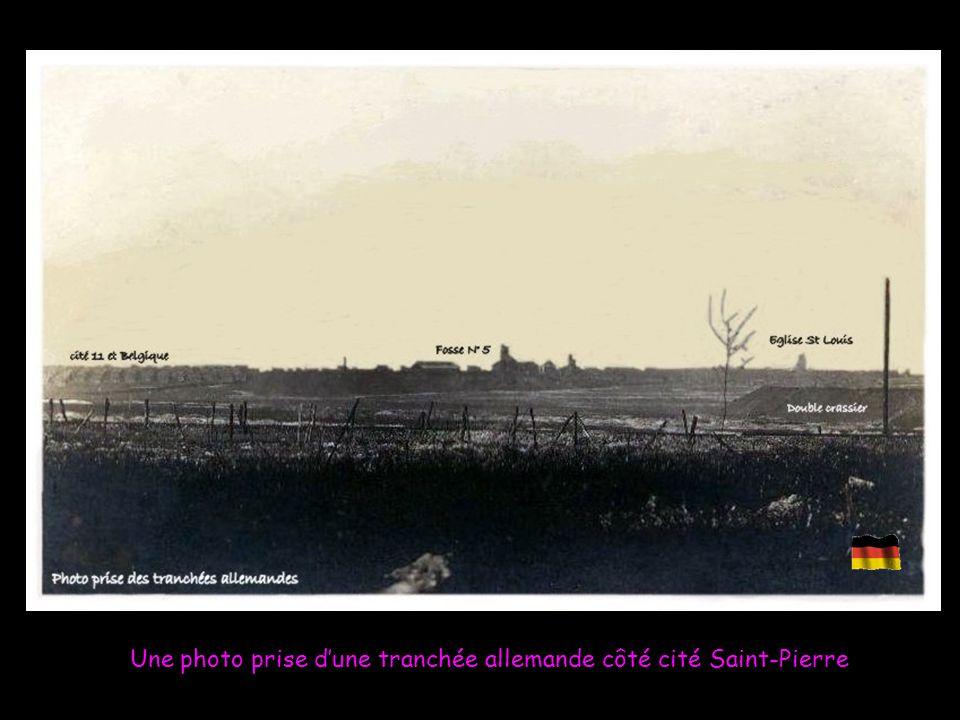 Une photo prise d'une tranchée allemande côté cité Saint-Pierre
