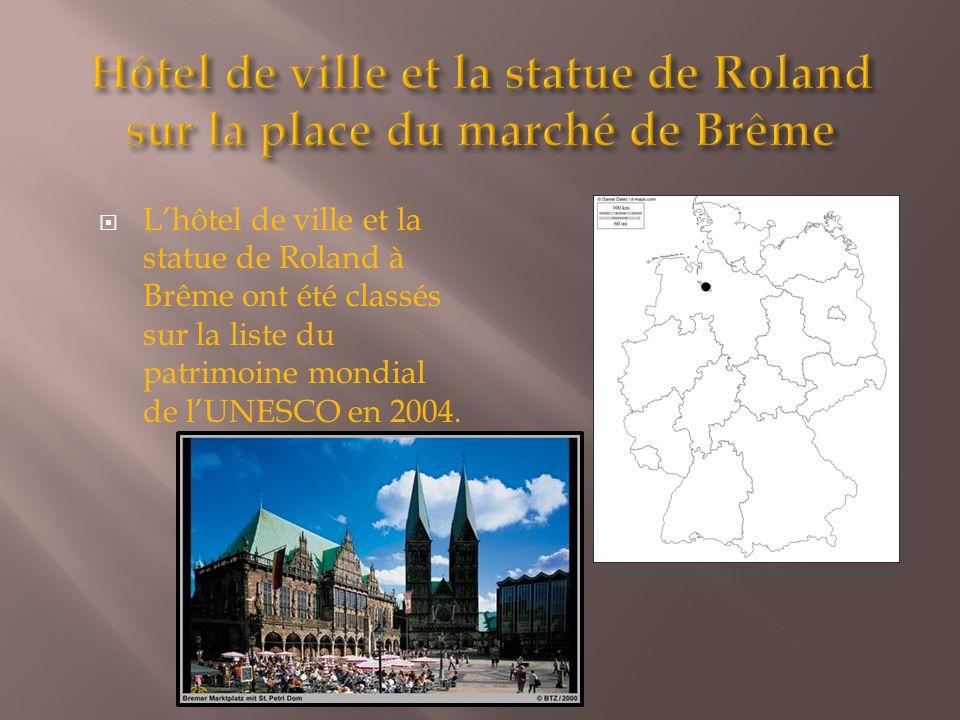 Hôtel de ville et la statue de Roland sur la place du marché de Brême