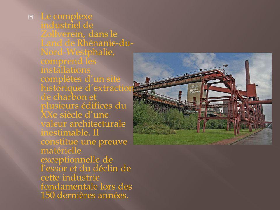 Le complexe industriel de Zollverein, dans le Land de Rhénanie-du-Nord-Westphalie, comprend les installations complètes d'un site historique d'extraction de charbon et plusieurs édifices du XXe siècle d'une valeur architecturale inestimable.