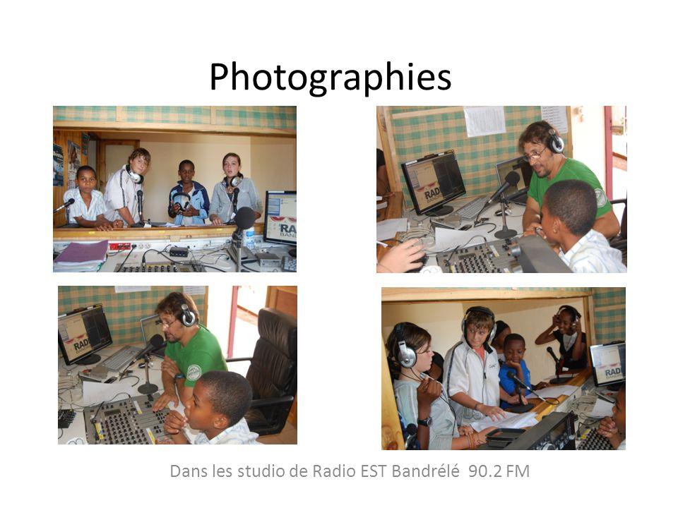Dans les studio de Radio EST Bandrélé 90.2 FM