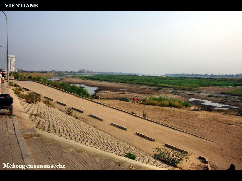 VIENTIANE Mékong en saison sèche
