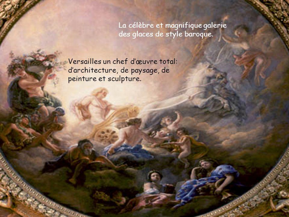 La célèbre et magnifique galerie des glaces de style baroque.