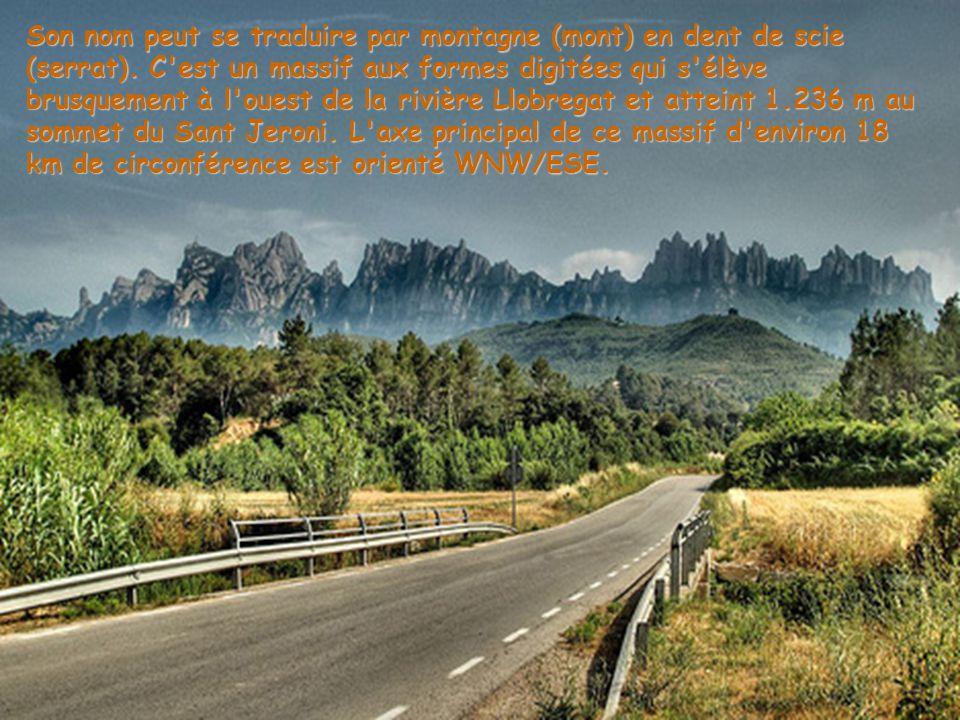 Son nom peut se traduire par montagne (mont) en dent de scie (serrat)
