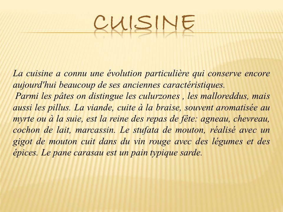 Cuisine La cuisine a connu une évolution particulière qui conserve encore aujourd hui beaucoup de ses anciennes caractéristiques.