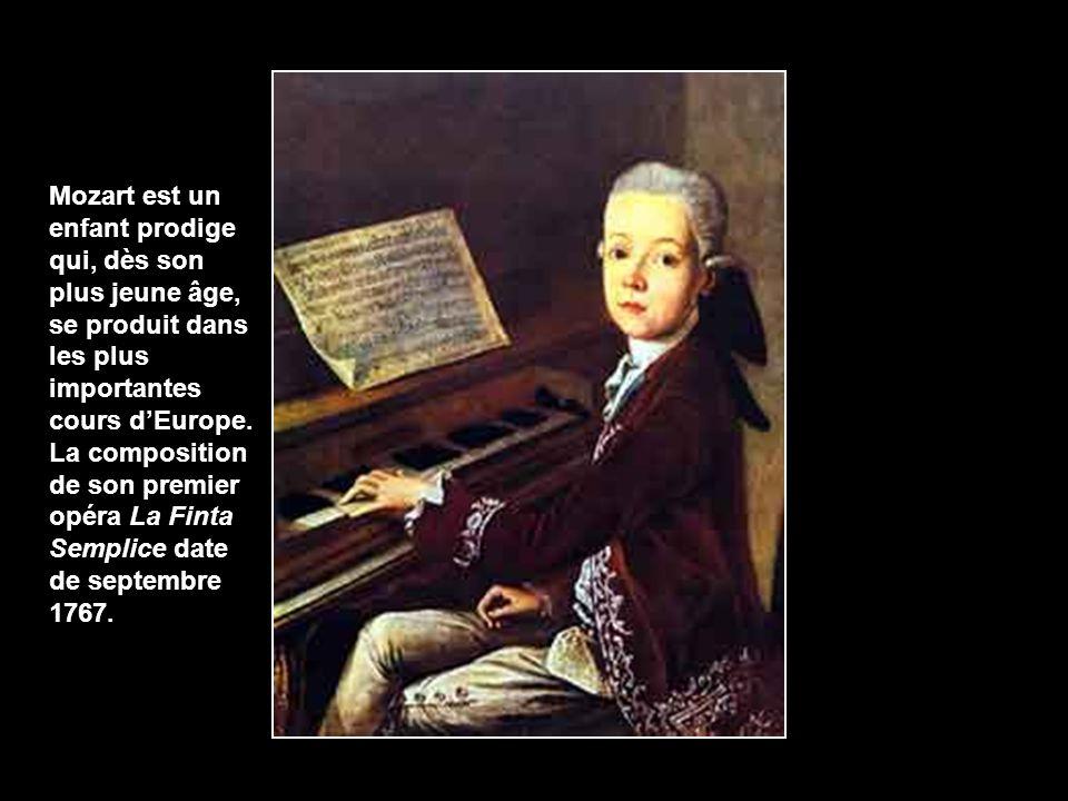 Mozart est un enfant prodige qui, dès son plus jeune âge, se produit dans les plus importantes cours d'Europe.