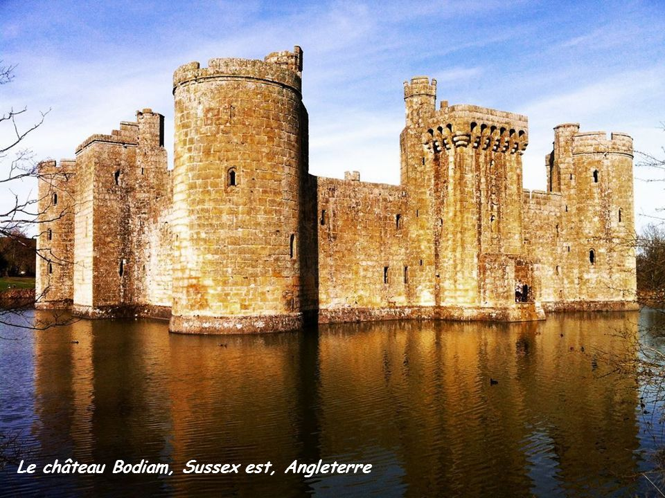 Le château Bodiam, Sussex est, Angleterre