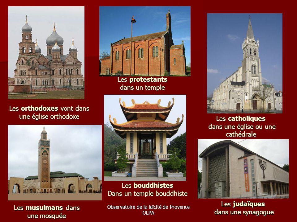 Les orthodoxes vont dans une église orthodoxe