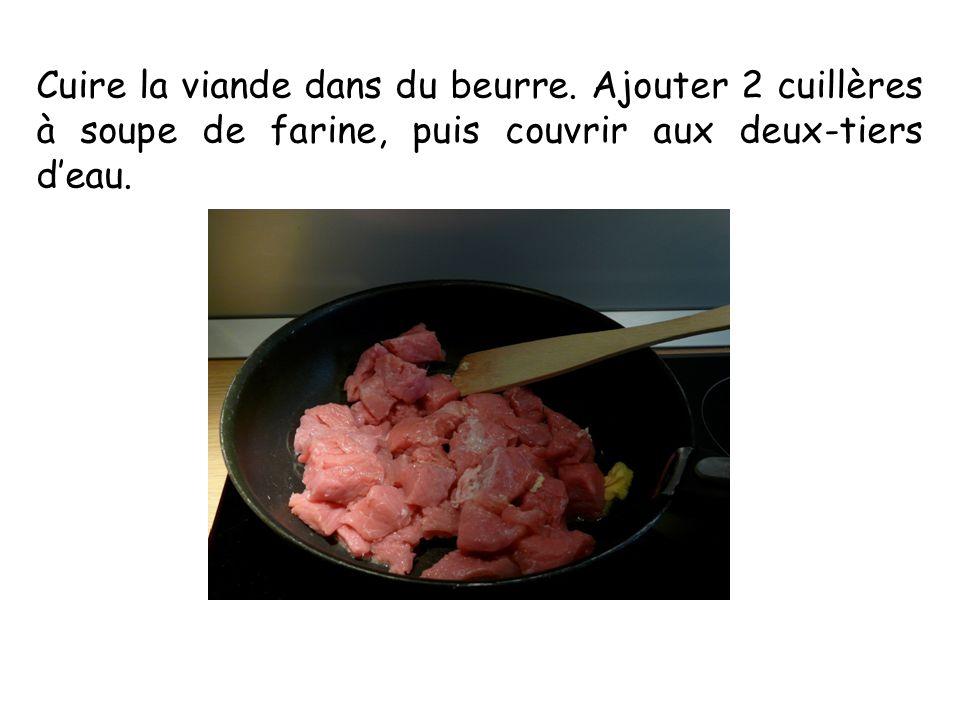 Cuire la viande dans du beurre