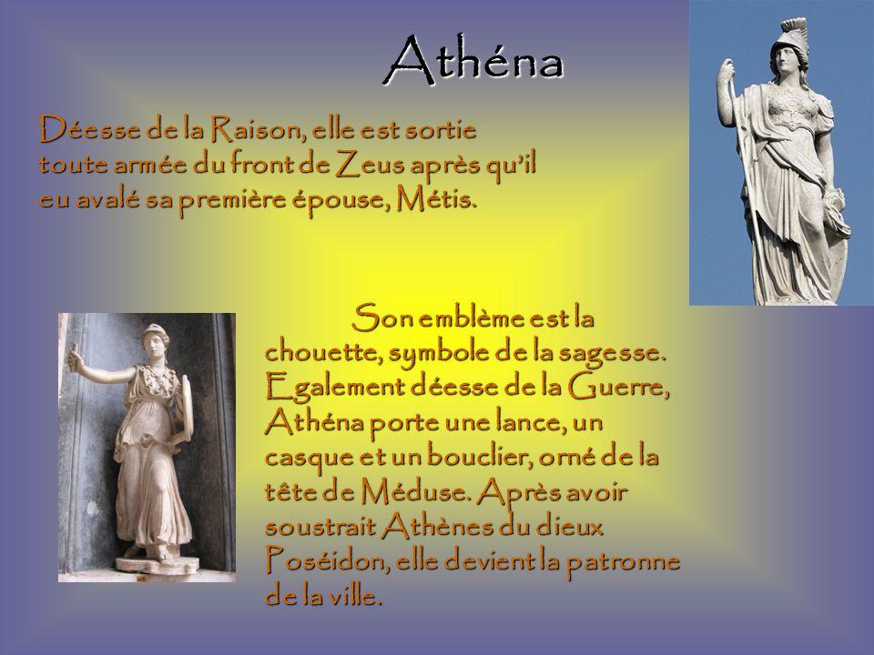 Athéna Déesse de la Raison, elle est sortie toute armée du front de Zeus après qu'il eu avalé sa première épouse, Métis.