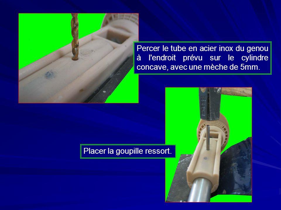 Percer le tube en acier inox du genou à l endroit prévu sur le cylindre concave, avec une mèche de 5mm.