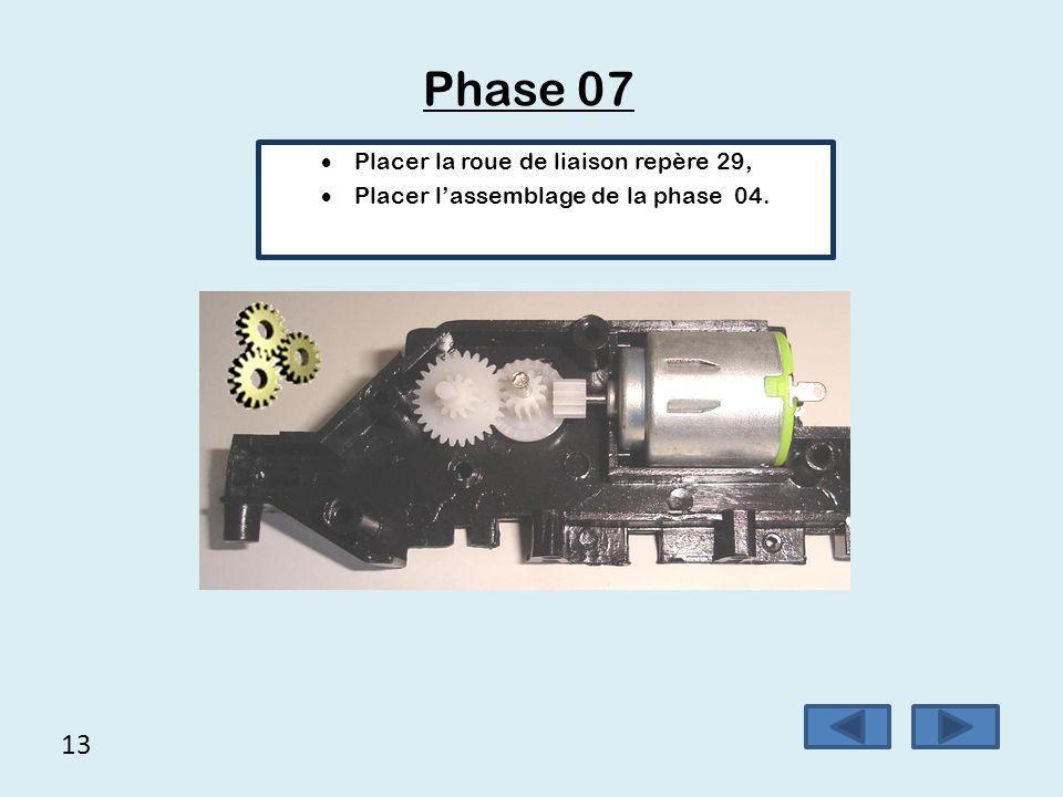Phase 07 13 Placer la roue de liaison repère 29,