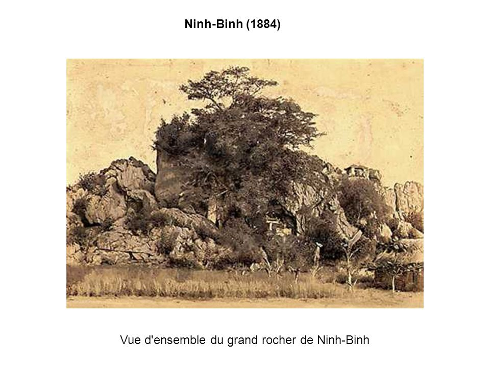 Vue d ensemble du grand rocher de Ninh-Binh
