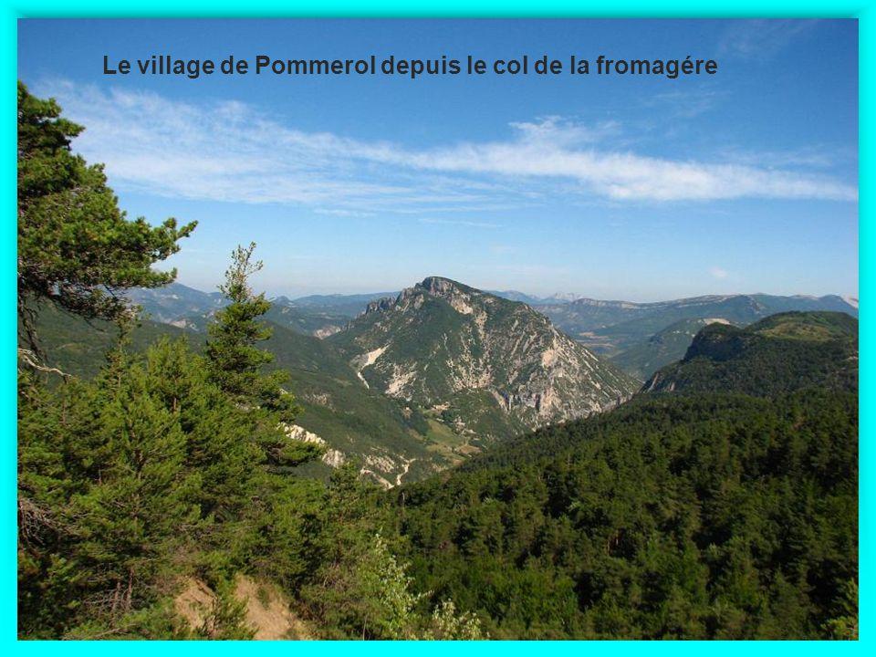 Le village de Pommerol depuis le col de la fromagére
