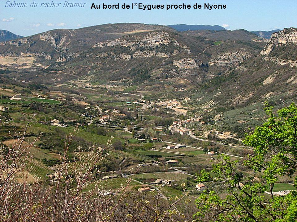 Au bord de l''Eygues proche de Nyons