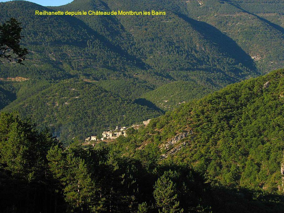 Reilhanette depuis le Château de Montbrun les Bains