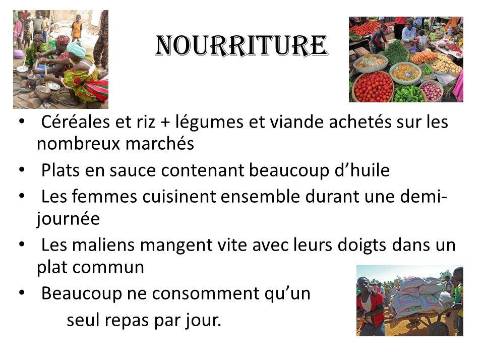 Nourriture Céréales et riz + légumes et viande achetés sur les nombreux marchés. Plats en sauce contenant beaucoup d'huile.
