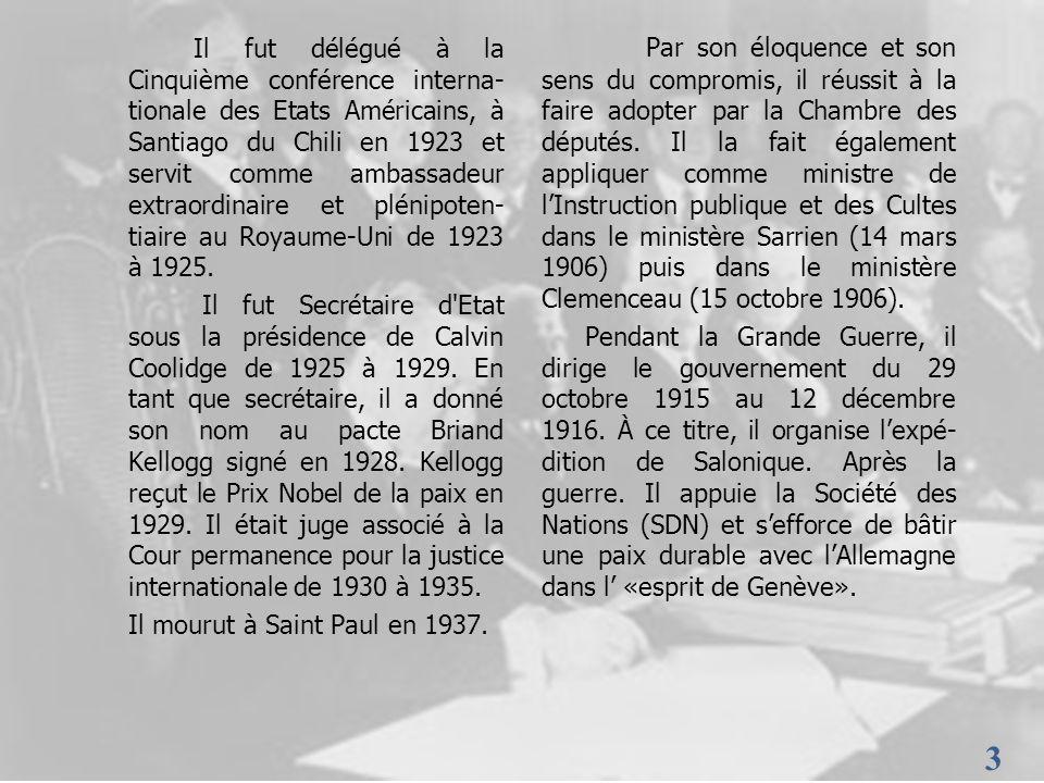 Il fut délégué à la Cinquième conférence interna-tionale des Etats Américains, à Santiago du Chili en 1923 et servit comme ambassadeur extraordinaire et plénipoten-tiaire au Royaume-Uni de 1923 à 1925.